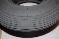 Reifen 225X55 - 220/120 x 50 Rillen-Profil grau
