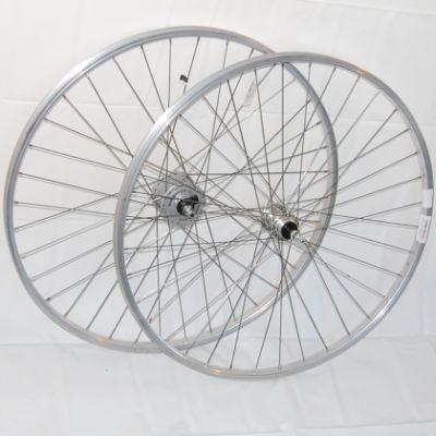 Laufradsatz 28 Zoll Aluminium silber Nabendynamo / Schraubkranz Kettenschaltung